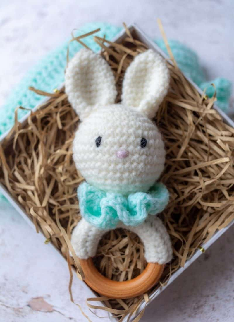 Free Crochet Amigurumi Pattern (Bella the Bunny)