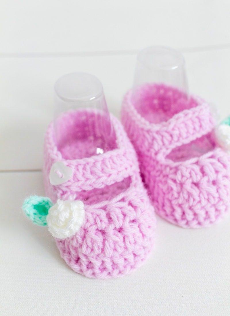 Crochet Baby Booties Pattern (The Gracie Baby Bootie)