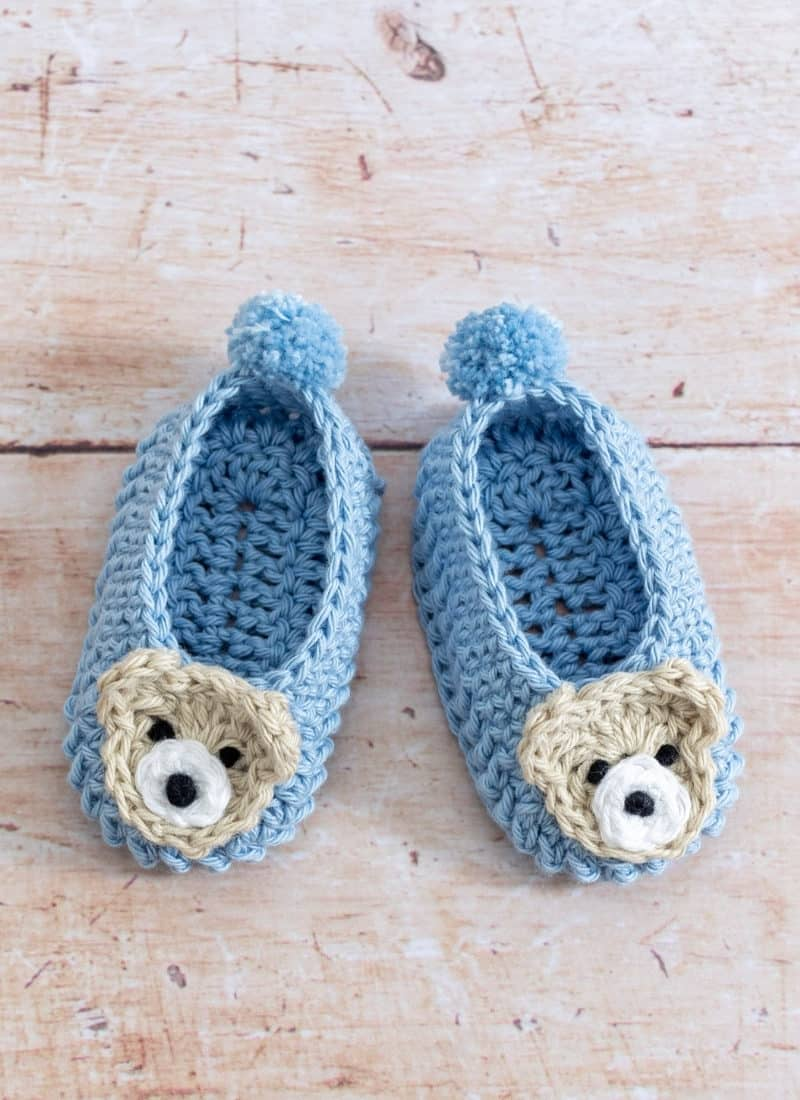 Crochet Easy Baby Shoes (With Cute Bear Applique)