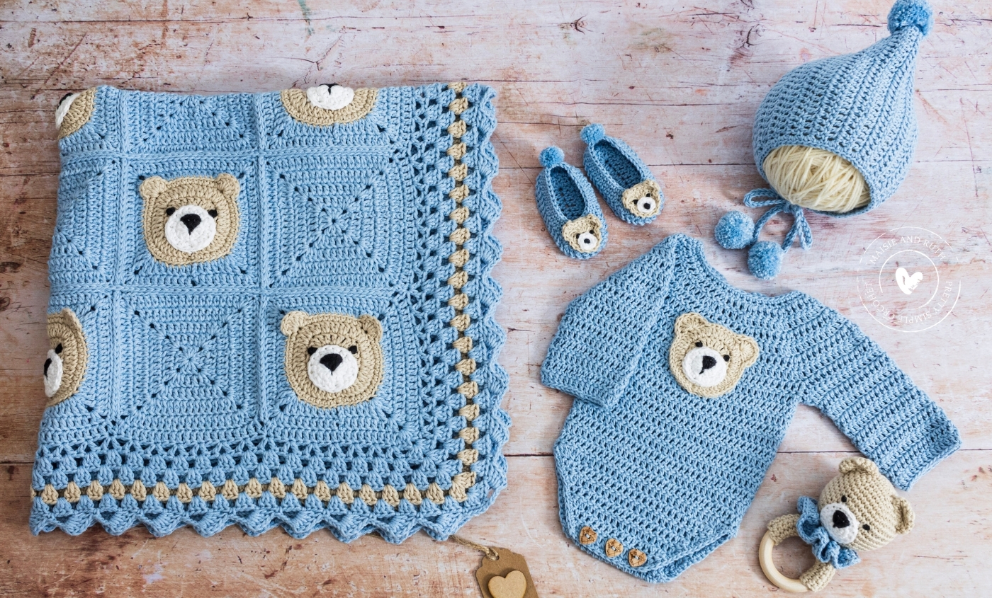 Bear Crochet Baby Blanket with other matching items